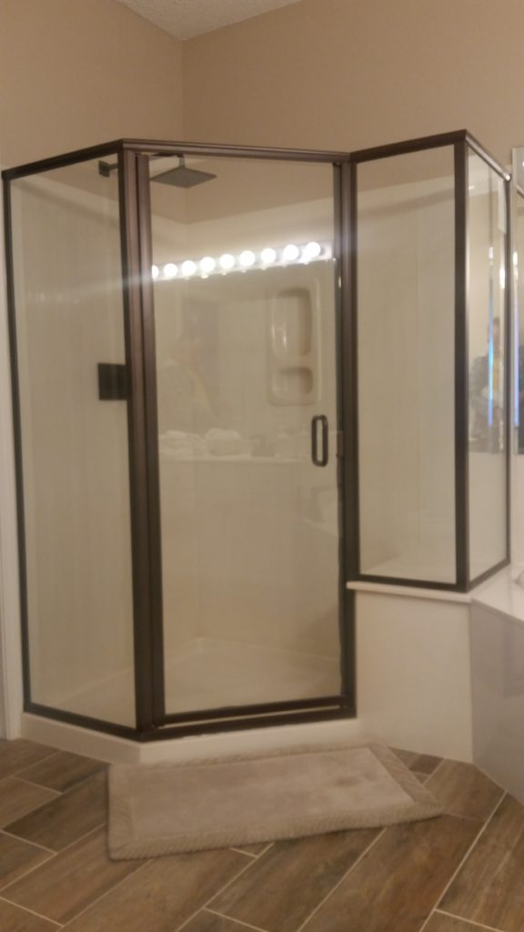 Cardinal Series Shower Door in Lake Ozark, Camdenton, Linn Creek